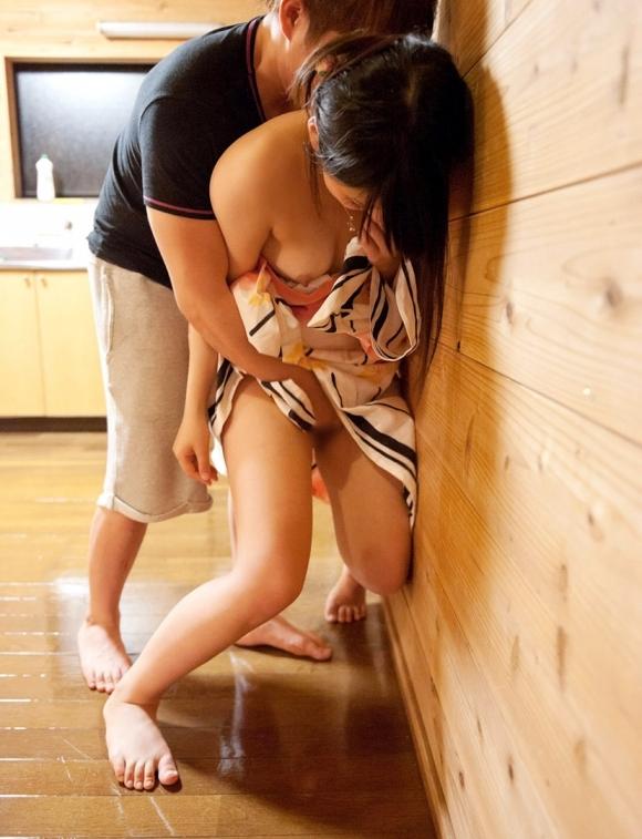 夏の間に浴衣の女の子と絶対にエッチなコトしたくなる画像あげるwwwwwww【画像30枚】30_20170806014157ba5.jpg