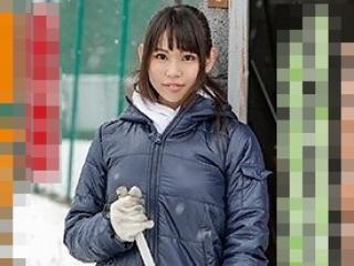 【素人初撮り】田舎に泊まろう!小渕沢でペンション経営する巨乳美人が応募でAVデビュー![五十嵐さゆ]
