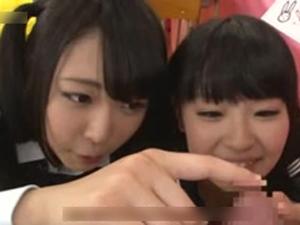 オナサポ喫茶で美尻JKたちのセンズリ鑑賞!