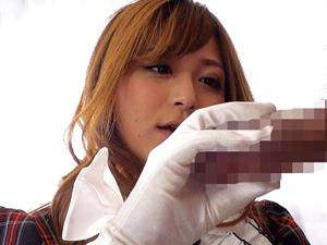 美痴女メイドさんがサテン生地の感触が堪らない手袋コキしてくれちゃう/【さとう遥希】