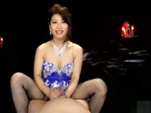 【羽田璃子】鬼頭責めする淫語痴女のテクニックがやばすぎて男の潮吹きぶちまけるww