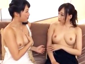 【蓮実クレア×春原未来】SEX談義してるうちにフェラチオしたくなってしまった巨乳痴女2人組にソッとチンポを差し出してみる。