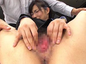 【市川まさみ】AVメーカー女子社員がAV出演を決心してオフィスの自分のデスクの上でSEX!!