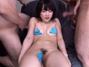 【宮崎あや】美少女と汁男優。変態ビキニ、電マにプリケツ。