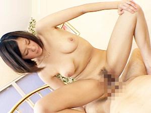 【佐伯奈々】性欲がハンパない長身美脚の巨乳人妻の騎乗位の腰使いがスゴイ!