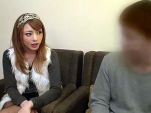 『初めまして。私とセックスしませんか?』桜井あゆが北海道で素人男性をガチで逆ナンパ!