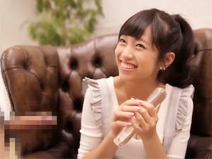 【瀬野みやび】AVデビューを決めた現役着エロアイドルが目の前のチンポを素直にフェラ!恥ずかしそうに美乳を披露!