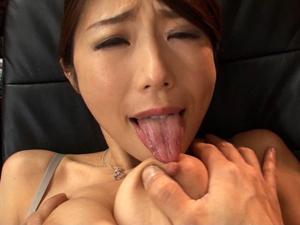 【篠田あゆみ】プライドの高い女上司の弱みを握りメス豚扱いし巨乳を弄び犯しまくる