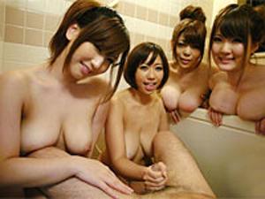 巨乳妻4人とハーレムお風呂!佐山愛 鈴香音色 仁科百華 恵けい