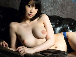 鈴木心春 乳輪が膨らんだパフィーニップルに陥没乳首のおっぱいが素敵