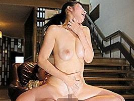温泉旅館にいた巨乳女性のマンコに媚薬を直接塗りこんで追いかけ回し3P中出しレ〇プ! 【tube8】