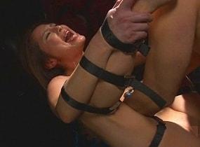 【花咲いあん】 ラッシングベルトで美女を完全固定、中出しセックス 【tube8】