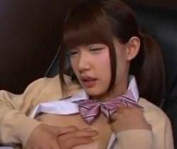 【白咲碧】 ネットカフェで激カワ女子校生がミニスカートパンチラで男を誘惑 【tube8】