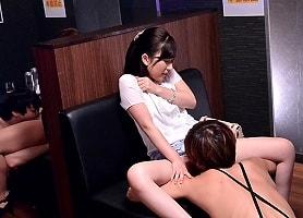ムラムラした女性が出入りするという女性専用風俗店を隠し撮り 【tube8】