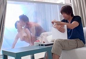 デカチンをハメられる彼女の姿を最後まで彼氏が見ることができたら100万円! 寝取られ映像! 【tube8】
