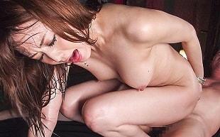 【吉沢明歩】 淫乱お姉さんが中年オヤジの激ピストンでイキまくる汗だくセックス 【tube8】