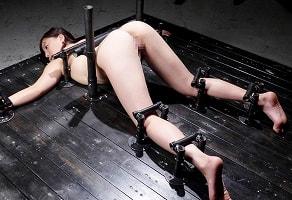 【江上しほ】 むっちり巨乳美女を鉄枷に完全固定、暴力的なSMプレイで徹底的に犯される 【tube8】