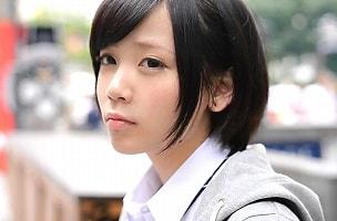 【稲村ひかり】 SNSで見つけた家出中の女子校生を部屋に連れ込んで中出しセックス! 【tube8】