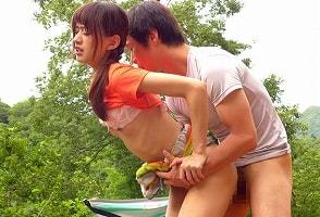 【希島あいり】 山ガール初心者のスレンダー美女が山で青姦、開放的なセックス! 【tube8】