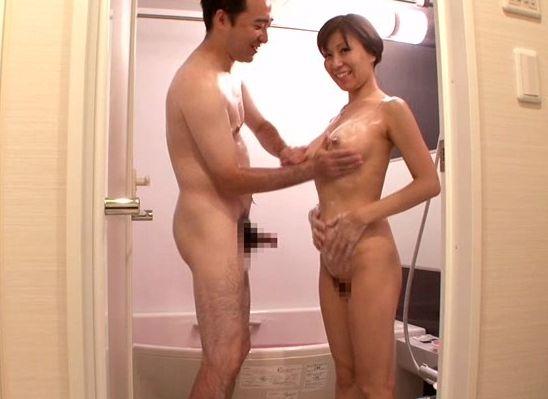 ファンの皆様のお家へ秋野千尋がお邪魔します☆☆あこがれの秋野さんと一緒にお風呂に入ったり、料理をしたりと、夢のようなひとときが過ごせます☆