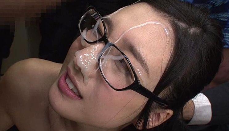 黒髪清楚美人「古川いおり」のお顔が白濁液まみれに!選りすぐりの特濃精子を合計112発の大量ぶっかけ!古川いおり