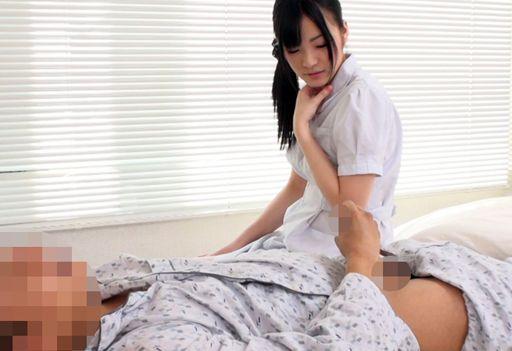 男性患者の溜まったザーメンをスッキリ射精させてくれるエッチな献身的ナースたち Part 2
