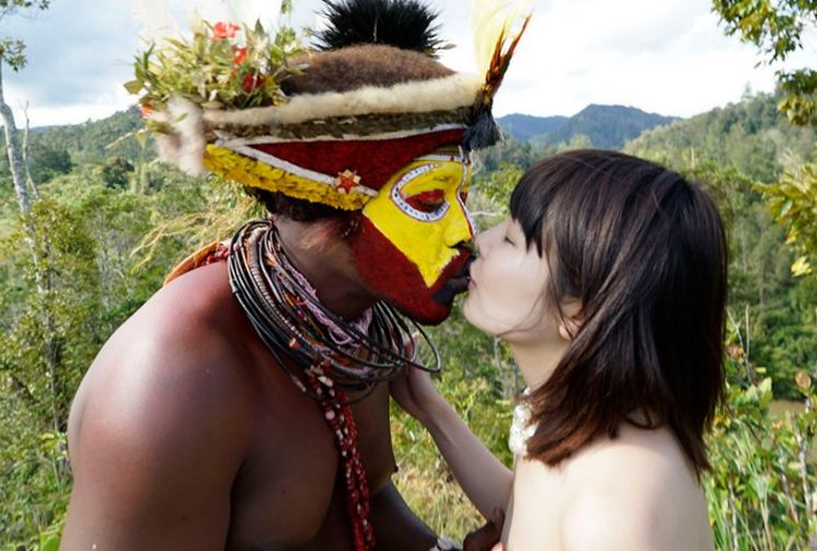 5万年前から変わらぬ生活を続ける原住民に日本のエロ文化を手取り足取り教えて生でヤる 橘花音
