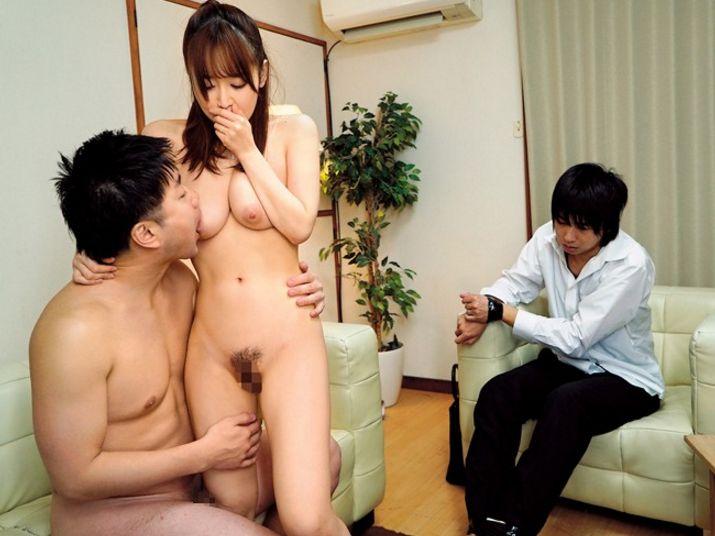 旦那のミスを帳消しにする代わりに身体を求めてきた同僚 篠田ゆう||