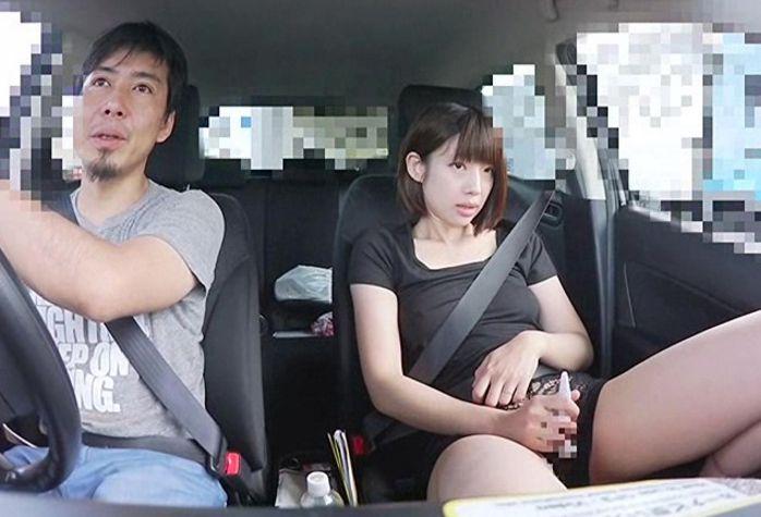 笑顔がぎこちない28歳の人妻、美夏さんは今回が初撮りデビューです。藍川美夏