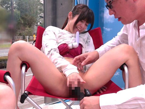 マジックミラー号 150cm以下の低身長20代女性が極太バイブ体験!! in 豊島区