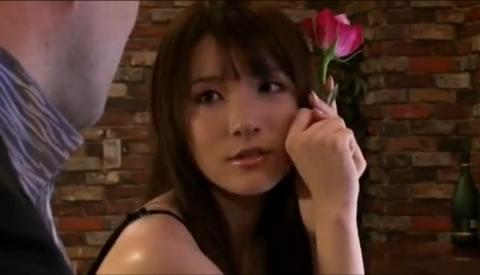【無料エロ動画】ロリ少女がおっさんに脅されて犯される