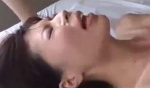 【顔射】大量顔射で真っ白に汚される美女画像