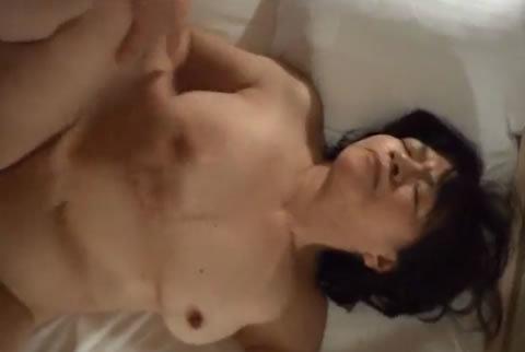 熟年カップルのセックスをハメ撮り!