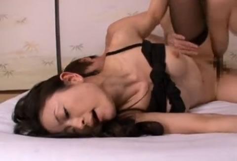 アダルト動画:疼いてぐちゃぐちゃ細身美熟女快感貪る淫乱性交