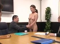【OL】巨乳の織田真子出演の奴隷動画。織田真子 社員の性処理奴隷として調教される巨乳OL