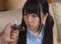 【sm 妹】ツインテールの妹、愛須心亜出演の催眠動画。愛須心亜 お兄ちゃんに催眠術をかけられ性奴隷にされるツインテール妹