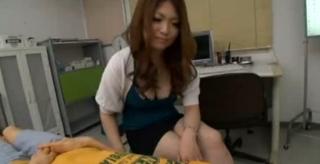 女教師がショタをフェラ抜き