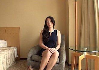 【ラグジュTV003】セクシーでスラリとした素人人妻が美尻を揉まれ唸るような喘ぎ声でSEX