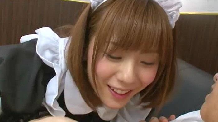 【麻美ゆま】笑みをたたえながら卑猥なプレイを繰り出す淫乱ドSメイド!