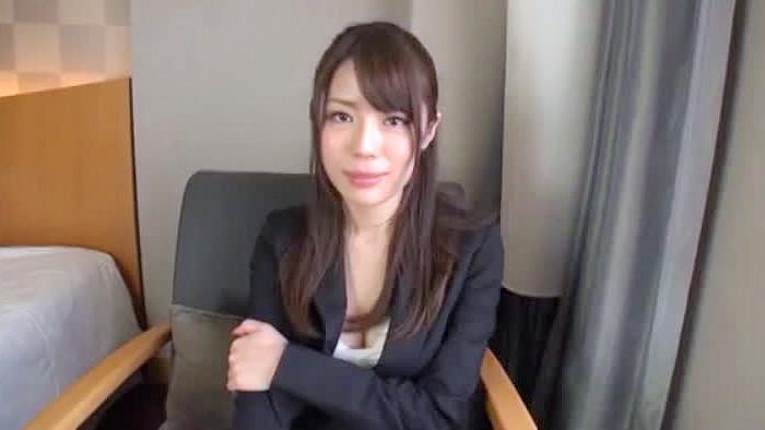 【OL】OL、紀崎りおな出演の動画。ストレス解消とお金が欲しくてAVに応募したキャリアウーマン風OL/紀崎りおな