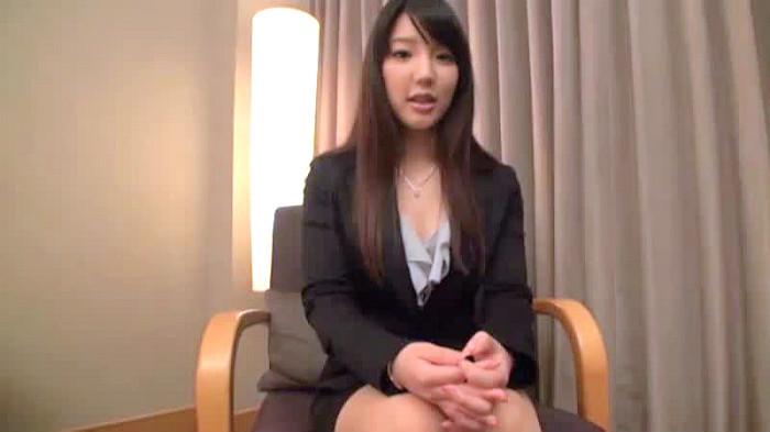 【OL】OL、藤嶋唯出演の中出し動画。給料に不満でAVに応募してきたおっとりOLさんにたっぷり中出し/藤嶋唯