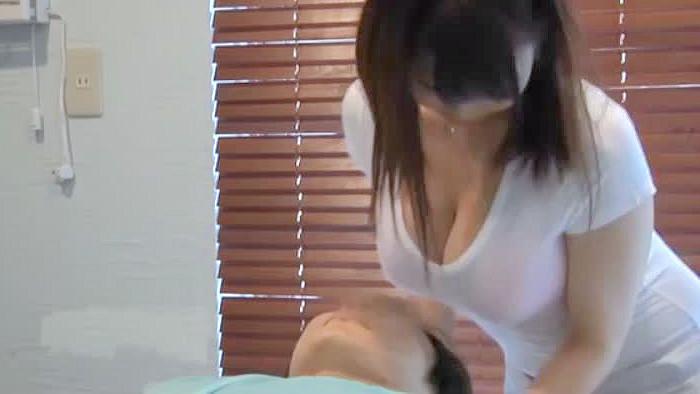 【中出し】爆乳の西川りおん出演のsex動画。美容室に行ったら店員の爆乳が顔に当たりまくりで我慢できずに中出しSEX/西川りおん