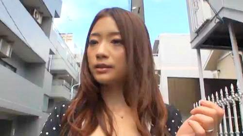 (オネエさん・モデル)モデル、愛花沙也出演のsexムービー。性ライフアンケートを装いモデル奥さんのお家に押し掛けsexしちゃう☆