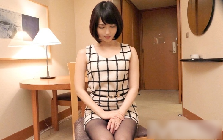 清楚な素人人妻が乳首を勃起させエロ全開でセックス【ラグジュTV】