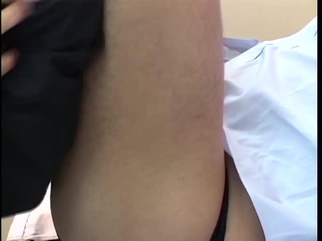 【イケメンゲイ動画】学生の治療風景を見て勘違いしたイケメンサラリーマンが乱入してゲイセックスにハッテン