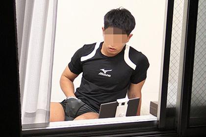 こんな風に筋肉体育会のオナニーがのぞき見できる部屋に引っ越したいww