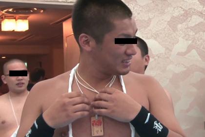 ふんどし姿の九州男児が大集合!ふんどし締め込み会場編