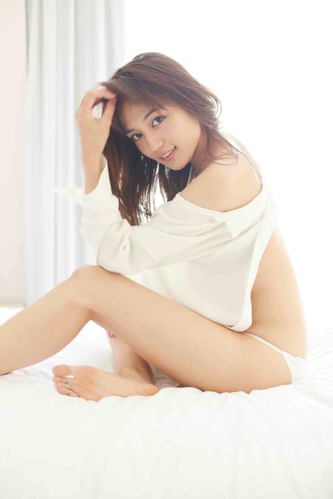 貧乳女優・川口春奈の体操着ブルマ姿がセクシーすぎる