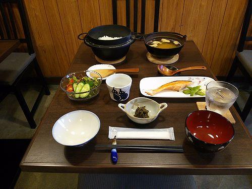 草津温泉民泊施設花栞、宿泊客限定朝食1