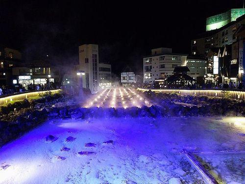 草津温泉湯畑ライトアップ1